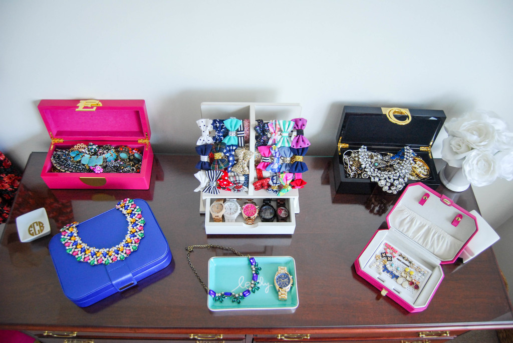 How I Organize My Jewelry | Breezing Through 14