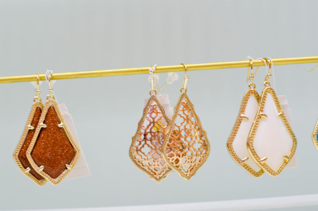 A Very Kendra Scott Birthday | Breezing Through-14