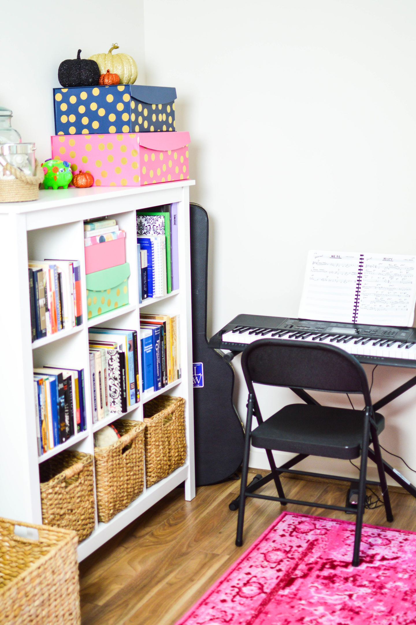 How to Take Advantage of a Small Space | Breezing Through